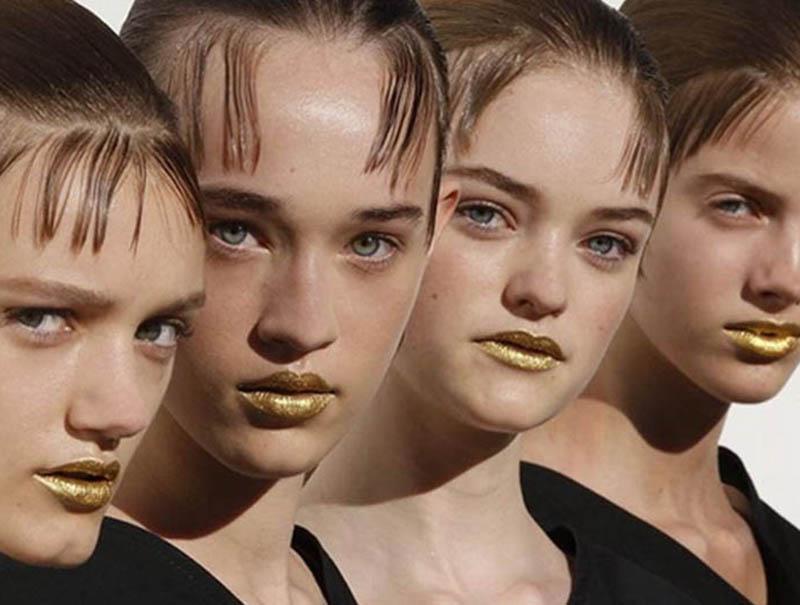 cover labios dorados prada